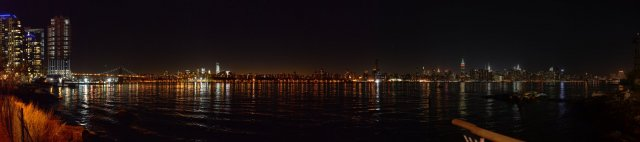 Manhattan Skyline bei Nacht - New York