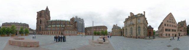Straßburg: Schlossplatz am Münster