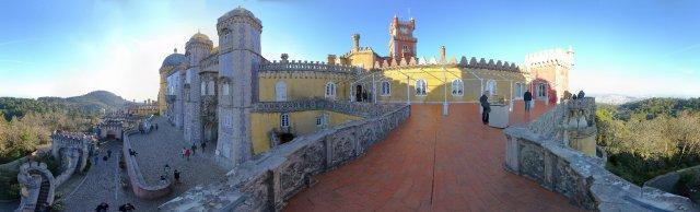 Sintra bei Lissabon: Lustschlösschen Palacio da Pena