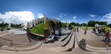 St. Petersburg - Brunnen in der Schlossanalage Peterhof